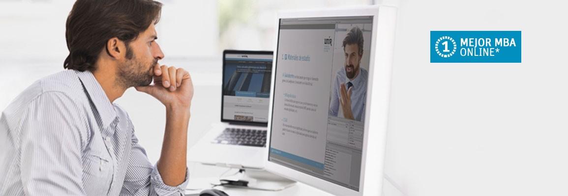 Alumna asistiendo a clases online e imagenen de Mejor MBA según el ranking de mundopostgrado